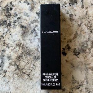 MAC Pro Longwear Concealer - NW20